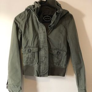 Green utility jacket. Size Small